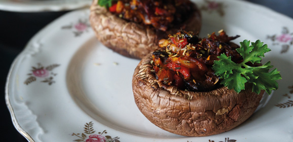 Pepper-stuffed Mushrooms